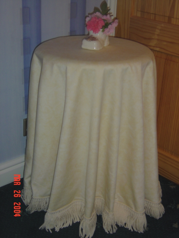 house and table cloth 010